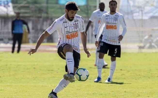 Bruno Mendez em jogo do Corinthian