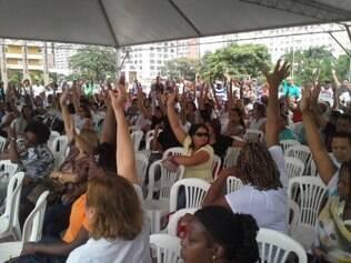 Os agentes decidiram pela suspensão da greve durante assembleia nesta quinta-feira (19)