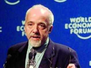 Suíça. O acervo de Paulo Coelho ficará guardado em sua fundação, na Suíça, mas também poderá ser acessado na web