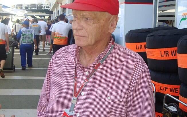 Niki Lauda no paddock em Interlagos