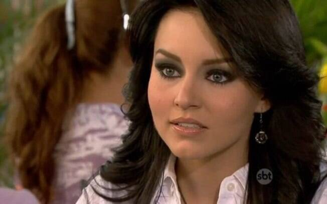 Cena da novela Teresa, do SBT, onde a atriz chamou a atenção pelo olho esfumado preto