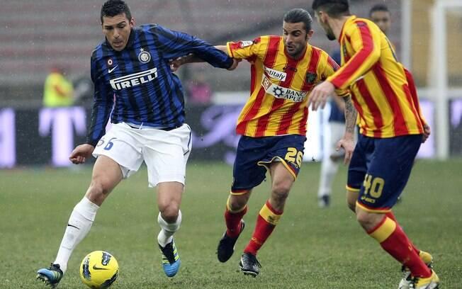 O zagueiro Lucio esteve em campo contra o  Lecce neste domingo, mas não conseguiu evitar a  derrota por 1 a 0