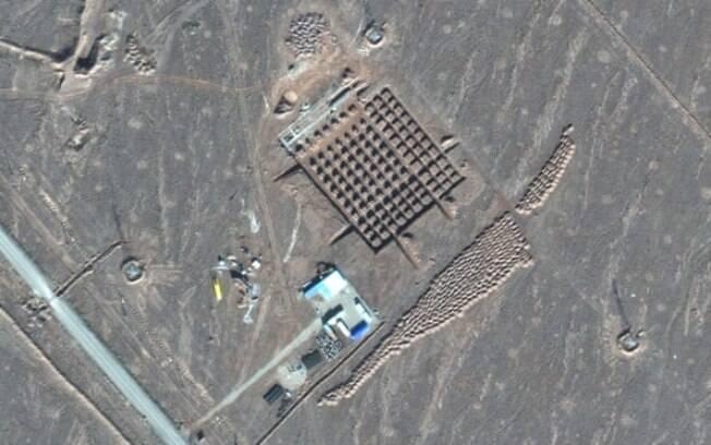 Uma foto de satélite da Maxar Technologies mostra a construção em Fordo, uma instalação nuclear subterrânea altamente sensível