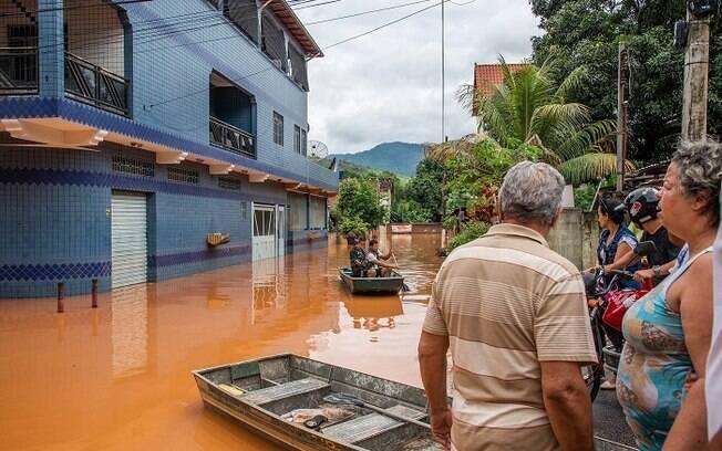 Chuvas fizeram moradores ficarem desabrigados