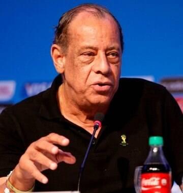Carlos Alberto Torres é sepultado no Rio de Janeiro sob aplausos e emoção