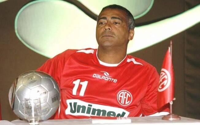 Depois de ser preso, Romário ainda atuou no América-RJ