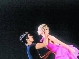 """Cassi Abranches em trecho do espetáculo """"Lecuona"""", de 2004"""