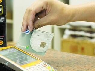 Custos. Quando pagamento é feito com cartão de crédito, lojista recebe dinheiro da venda <CW-34>após 31 dias