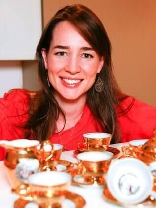 Ana Cristina ganhou uísque do pai e o conjunto de xícaras de chá da avó: