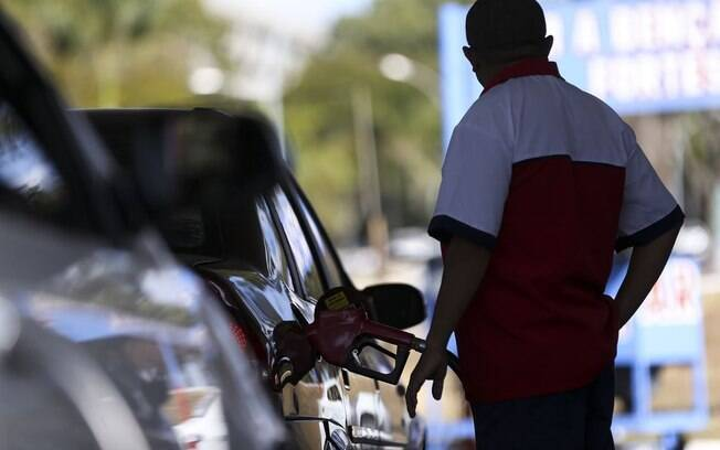 Preço da gasolina atingiu a média de R$ 4,36, o maior valor desde novembro de 2018