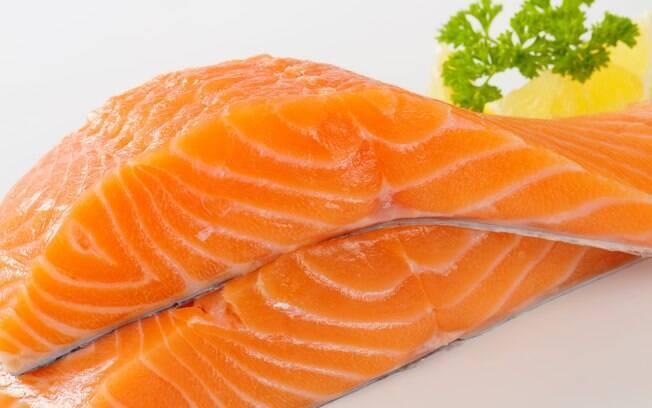 7. Salmão ou atum: Ricos em ômega 3, excelente antioxidante protetor do cérebro e do coração, é fonte de proteína de alto valor nutritivo e possui alta digestibilidade. Foto: Thinkstock/Getty Images