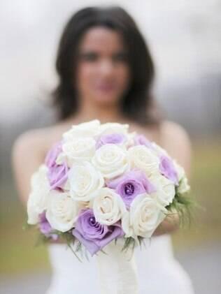 Noiva deve estar tão segura com vestido quanto com o buquê