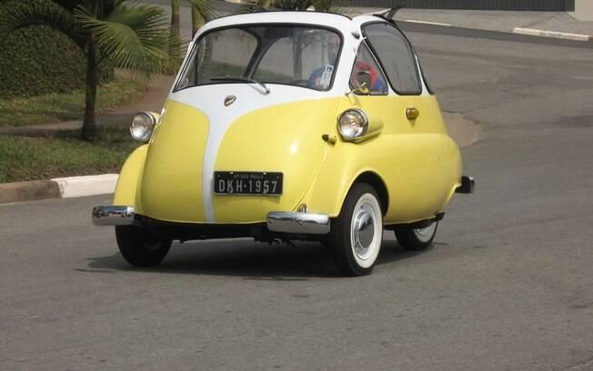 Além de aparecer na lista dos carros pequenos, o Romi-Isetta também é o primeiro automóvel fabricado no Brasil