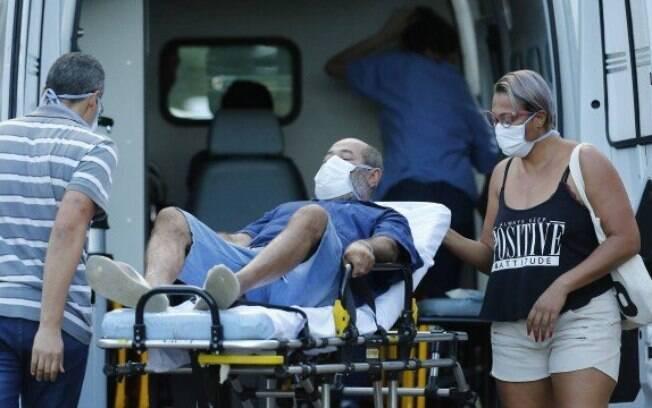 Homem é encaminhado para hospital em Brasília