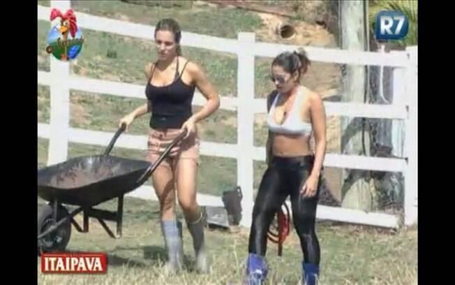 Joana aconselha Dani Bolina a ajudar na casa
