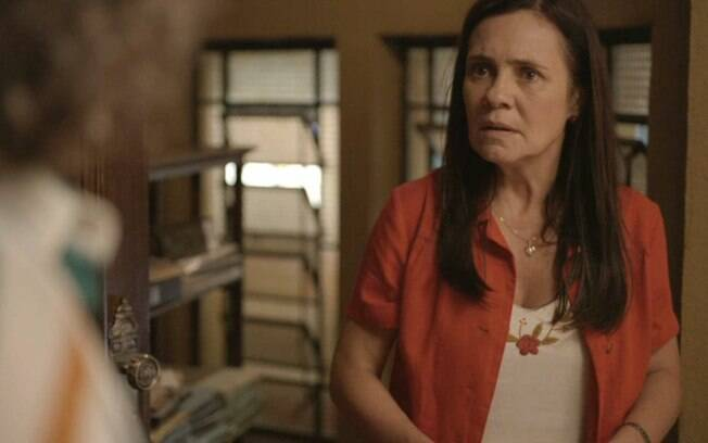 Thelma tenta comprar Rita, mas após a mulher negar a oferat ela vai matá-la