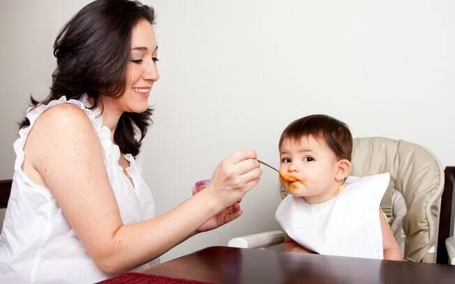 Os pais devem reparar se a babá é segura no desempenho das suas tarefas e se é uma pessoa paciente e carinhosa
