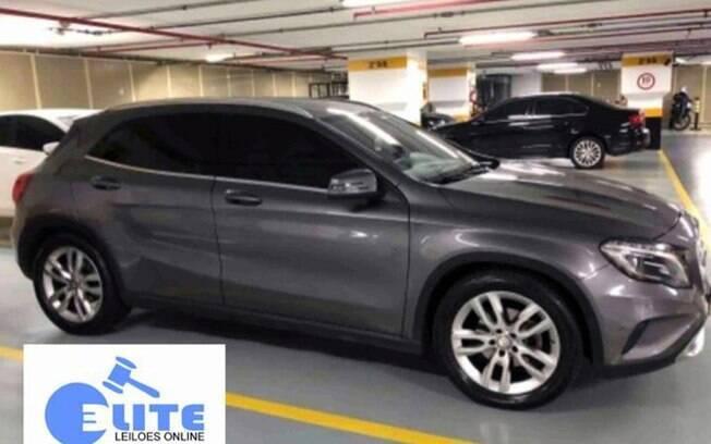 O Mercedes-Benz GLA da imagem acima foi arrebatado por um terço do valor em leilão fraudulento