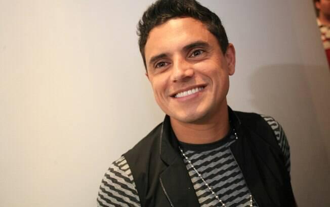 Hugo Pena faz lançamento oficial de carreira solo