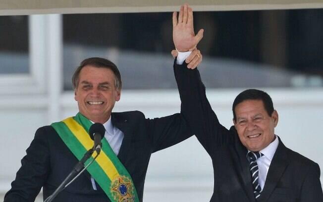 A equipe econômica de Jair Bolsonaro (PSL) defende a inclusão dos militares na proposta de reforma da Previdência