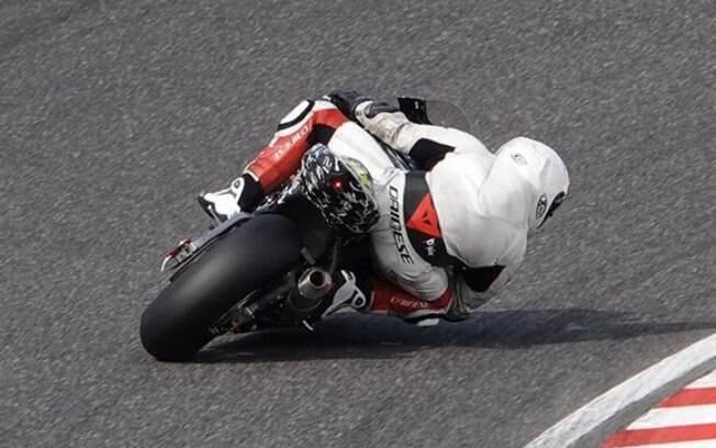 Flagra da nova Honda CBR 1000RR Fireblade. Foto: Divulgação