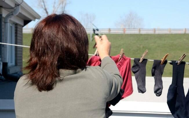 14% dos homens ouvidos em pesquisa dizem que são suas mães quem lavam suas roupas