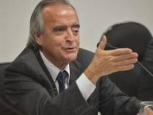 Justiça aceita denúncia contra Nestor Cerveró, por lavagem de dinheiro
