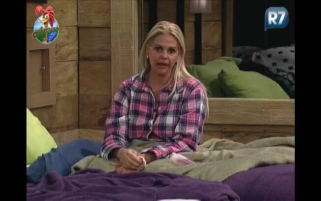Titia reclama da atitude de Raquel Pacheco