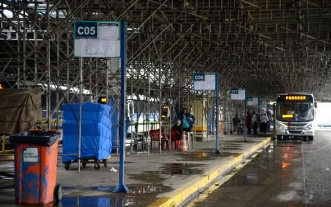 Terminal rodoviário Américo Fontenelle, na Central do Brasil, funciona parcialmente