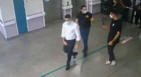 Deputados Mamãe Falei e Kim Kataguiri invadem hospital à força para inspeção