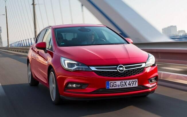 Agora que a PSA é dona da Opel, a queda do IPI pode animar o grupo francês a importar o novo Astra
