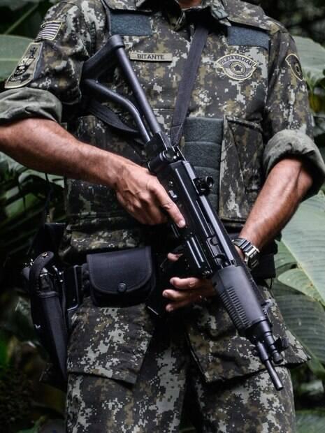 Novo uniforms de camuflagem verde digital de selva da Polícia Militar Ambiental