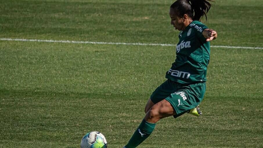 Thaís é uma destaques da equipe do Palmeiras