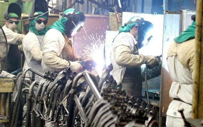 trabalhadores da indústria