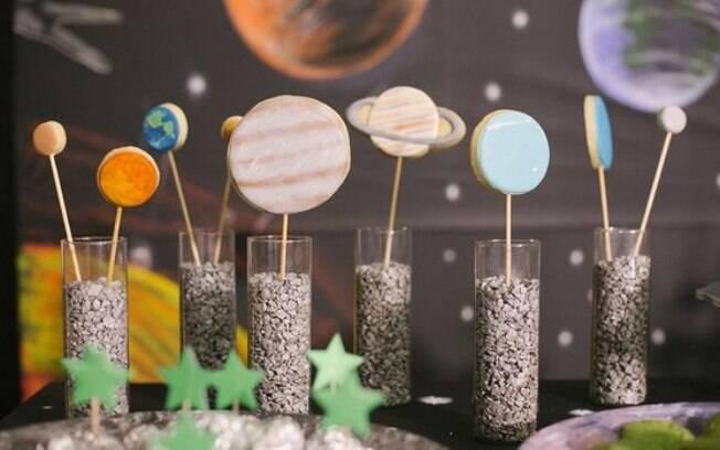 Planetas e estrelas são bons temas para festa