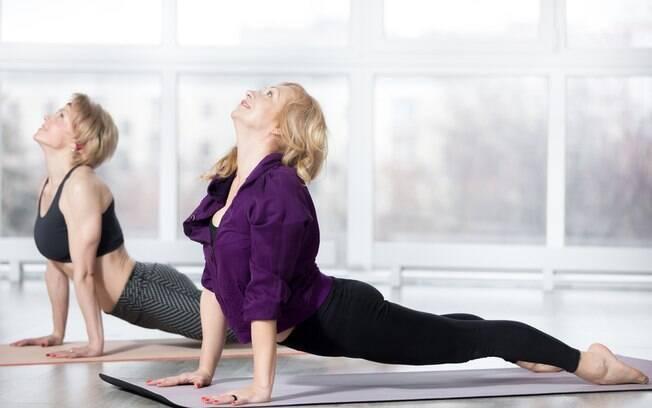 Exercícios como pilates e alongamento são estão entre as indicações para as mulheres maduras