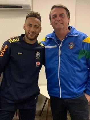 Neymar posa ao lado de Bolsonaro