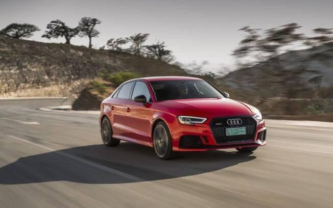 Audi RS3: Sedã esbanja estilo provocador com as entradas de ar e sensação de movimento em suas linhas
