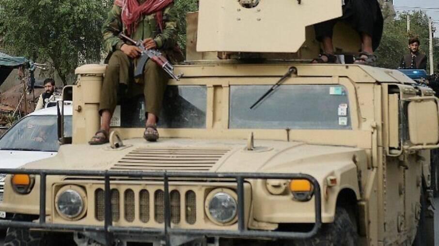 Talibãs após tomada do Afeganistão