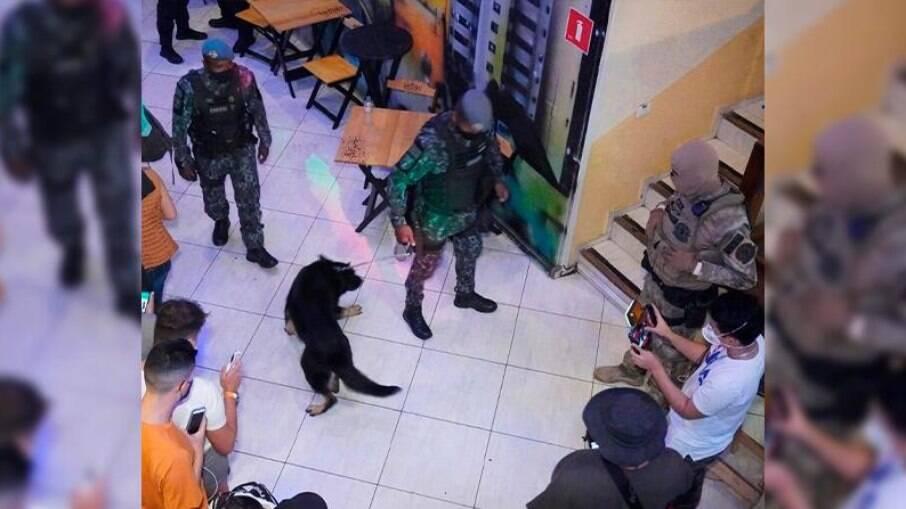 Festa interrompida pela Polícia Civil de São Paulo
