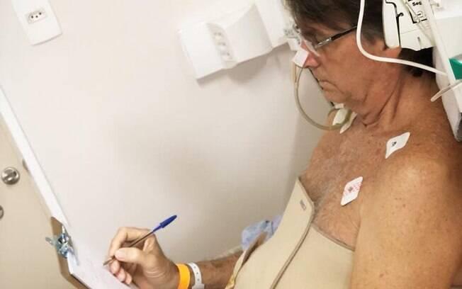 Jair Bolsonaro recebeu relatório de sua campanha no hospital