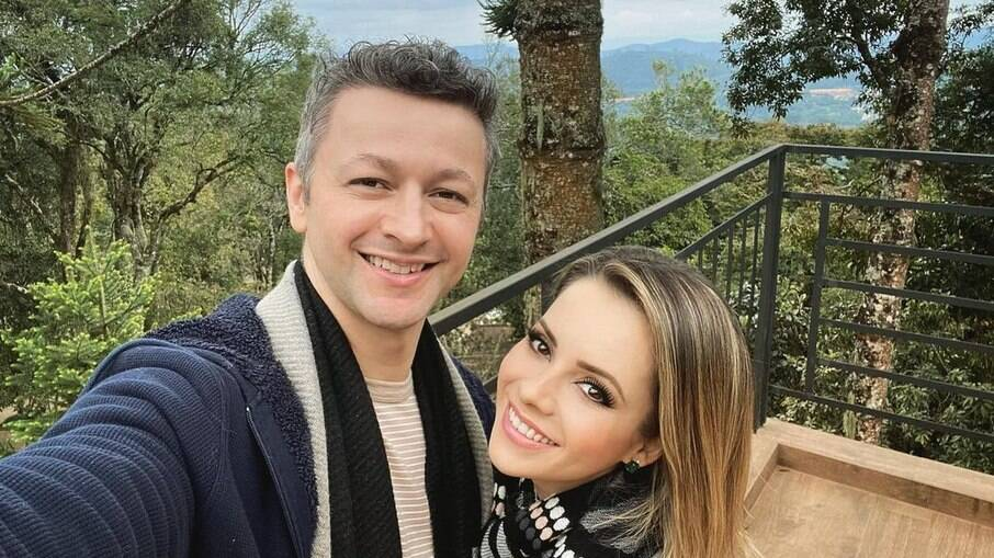 Sandy se declara ao marido Lucas Lima