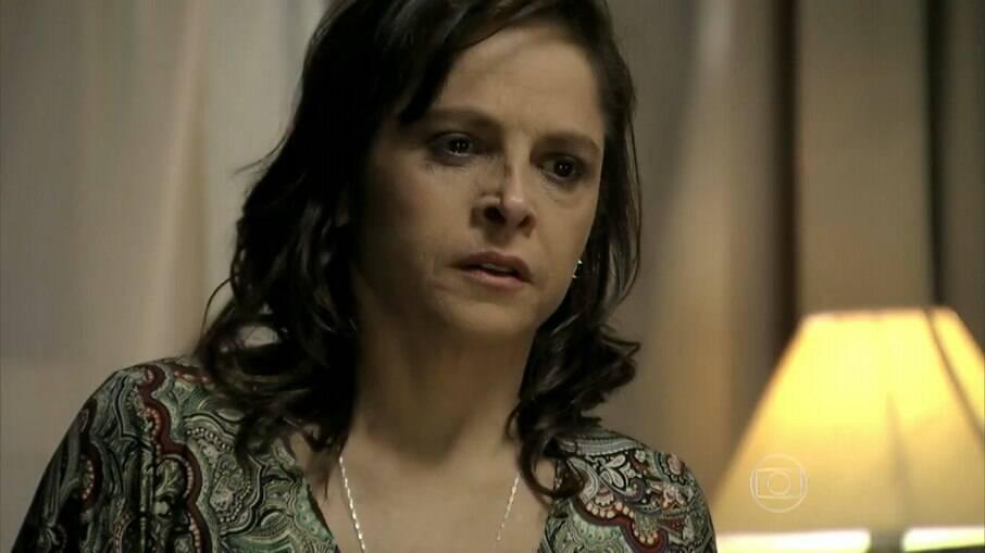 """Cora vê Eliane no quarto de Cristina, em """"Império"""""""