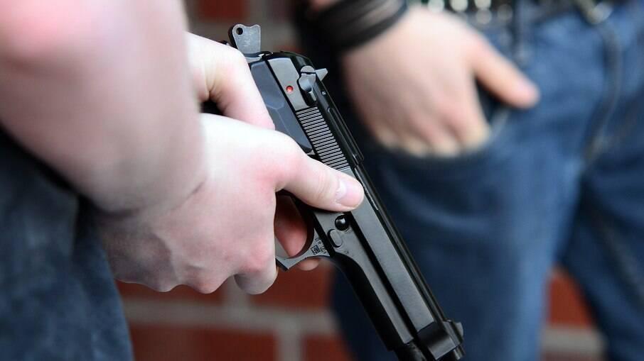Transporte irregular de arma por CACs é crime, segundo a lei
