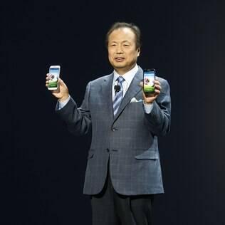 JK Shin, chefe de dispositivos móveis da Samsung, apresenta o novo Galaxy S4