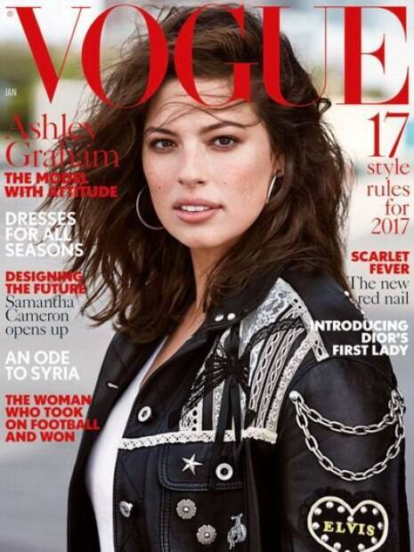 Modelo Ashley Graham é capa da Vogue (janeiro, 2017)