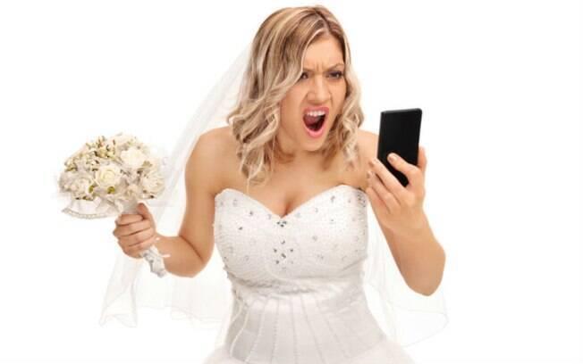 Noiva enraivecida culpou convidados que não quiseram pagar pelo fim de seu relacionamento com o então noivo