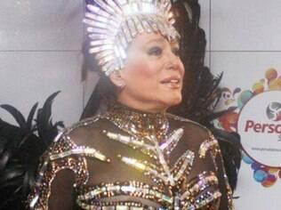 Susana usou uma fantasia com transparência para o desfile da Grande Rio no Carnaval deste ano e acabou 'pagando peitinho'