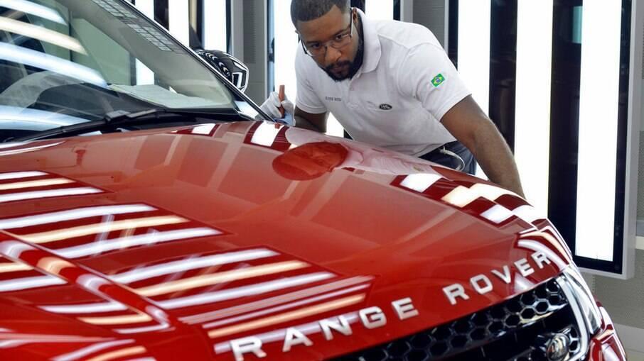 Range Rover Evoque da nova geração volta a ser produzido em Itatiaia (RJ) a partir do último trimestre do ano, diz a fabricante