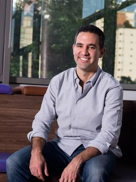 David Vélez, fundador e CEO do Nubank, diz que fintechs devem usar a facilidade de inovação para se destacar frente aos grandes bancos
